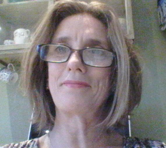 Angela R